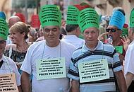 La manifestazione davanti all'Arena dei non udenti dell'Istituto Antonio Provolo(Sartori)