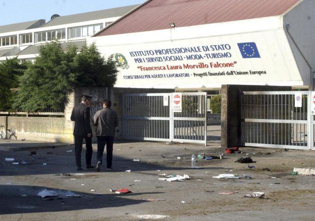 brindisi-attentato-manifestazioni-italia